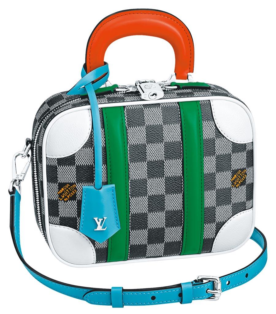 LV Mini Luggage BB手袋配色具龐畢度中心風格,10萬7000元。(LV提供)