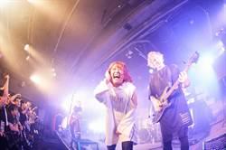 日本最受矚目新人樂團AliA不畏風雨在台飆唱