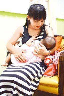寶寶喝母乳 肥胖過敏風險低