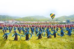藏人圍圈跳鍋莊 與草原共舞