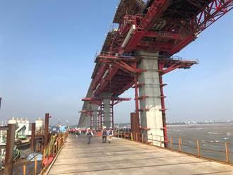 金門大橋浮出海面了!主橋基樁101支全數完成