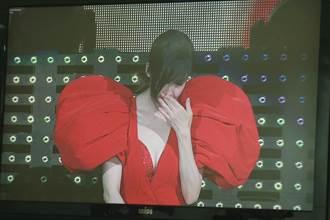 周慧敏哭了!感性感謝歌迷「謝謝你們的等待」