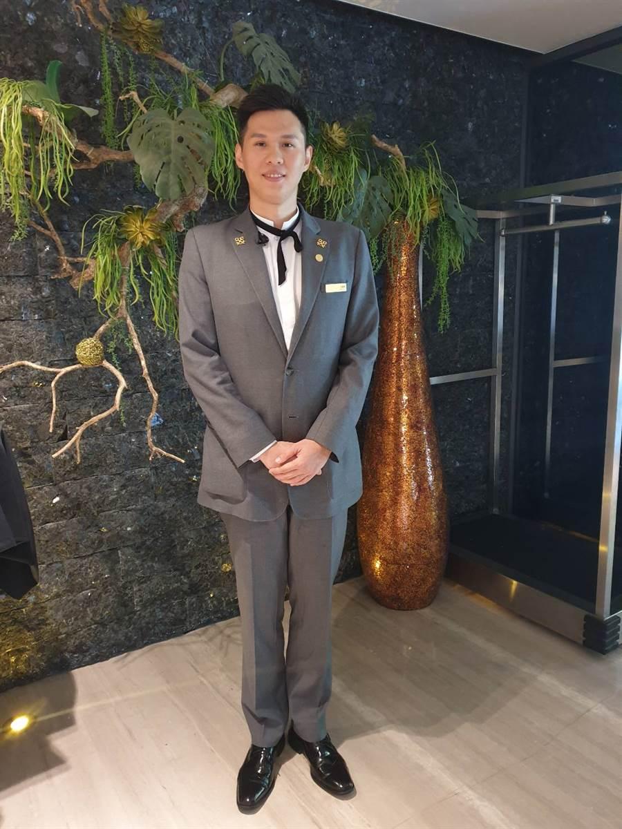 擁有帥氣外型、高大挺拔的尊榮大使-李懿軒。(照片/游定剛 拍攝)