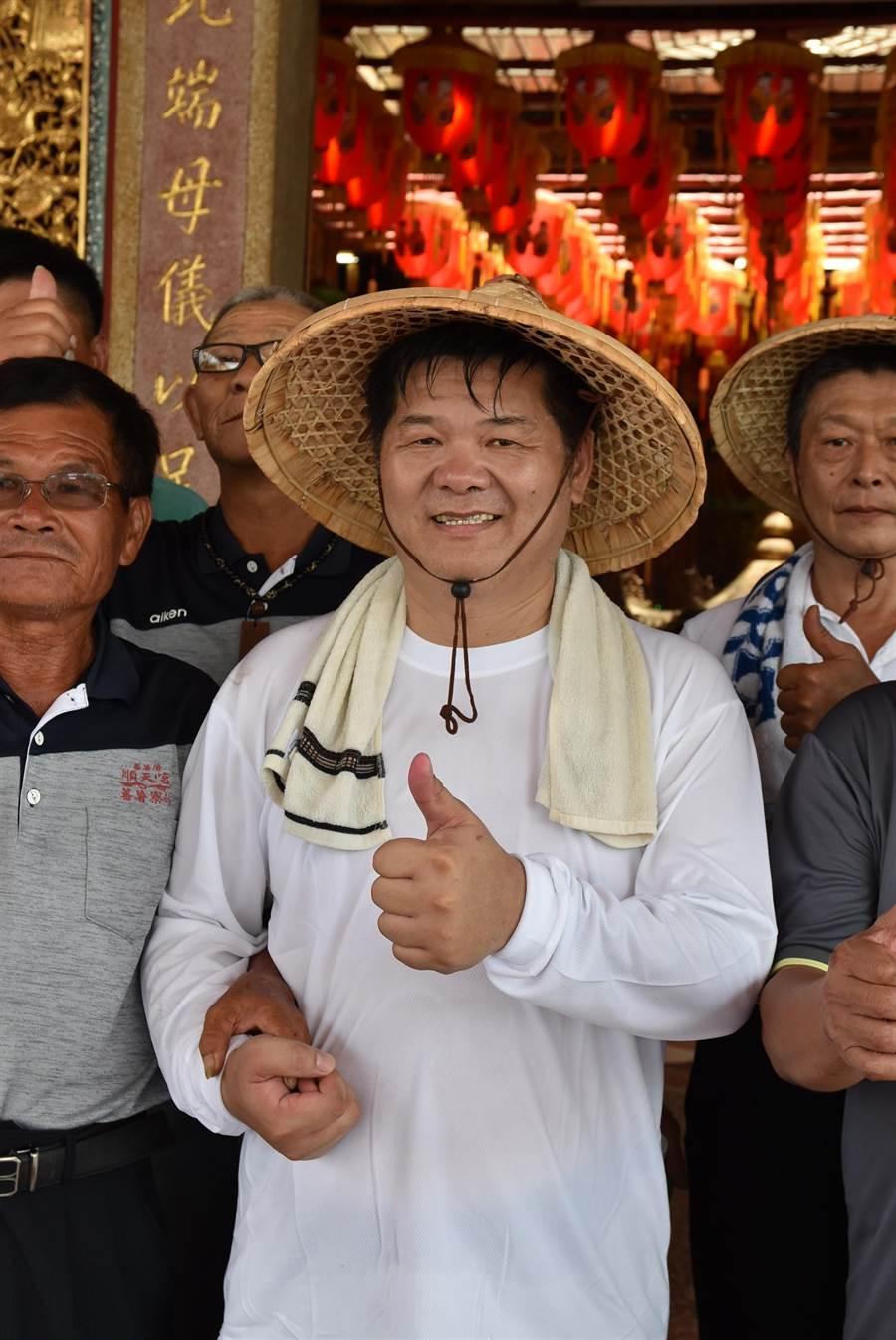 許忠富獲得蘇治芬推薦,並獲得民進黨提名參選下屆雲林縣海線立委選舉。(周麗蘭攝)