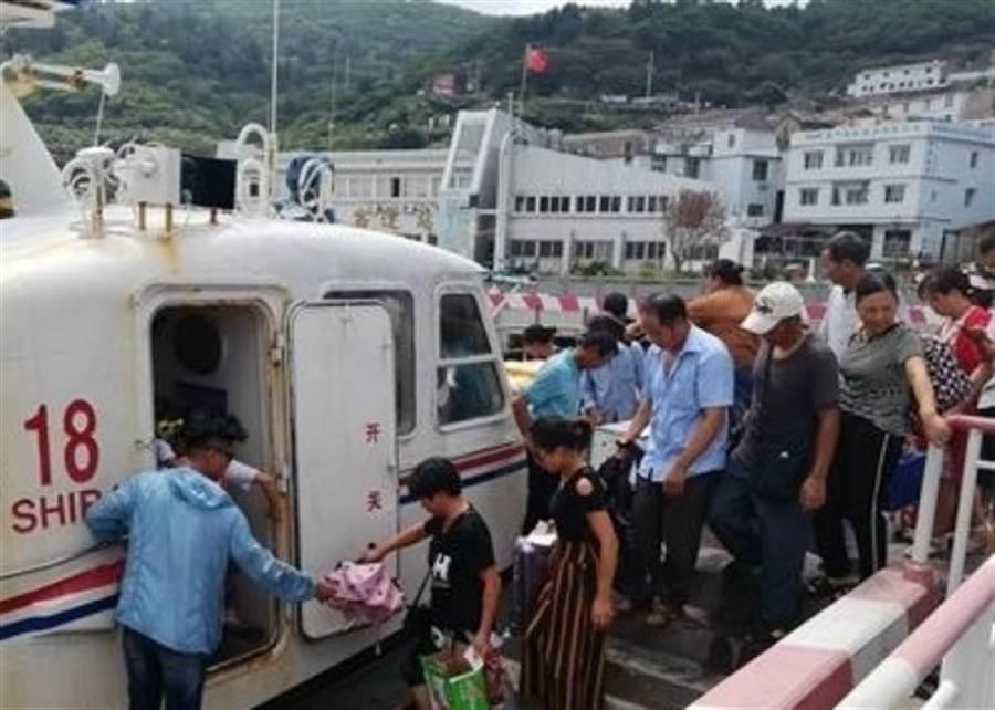 受颱風影響,福建和浙江兩省超過20萬人疏散。(圖/網路圖,取自東網)