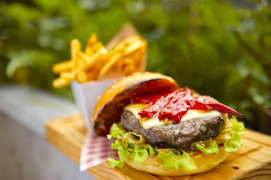 Jamie's Italian在台灣獨賣的「辣臺味漢堡」引起熱銷。 (Jamie's Italian提供)
