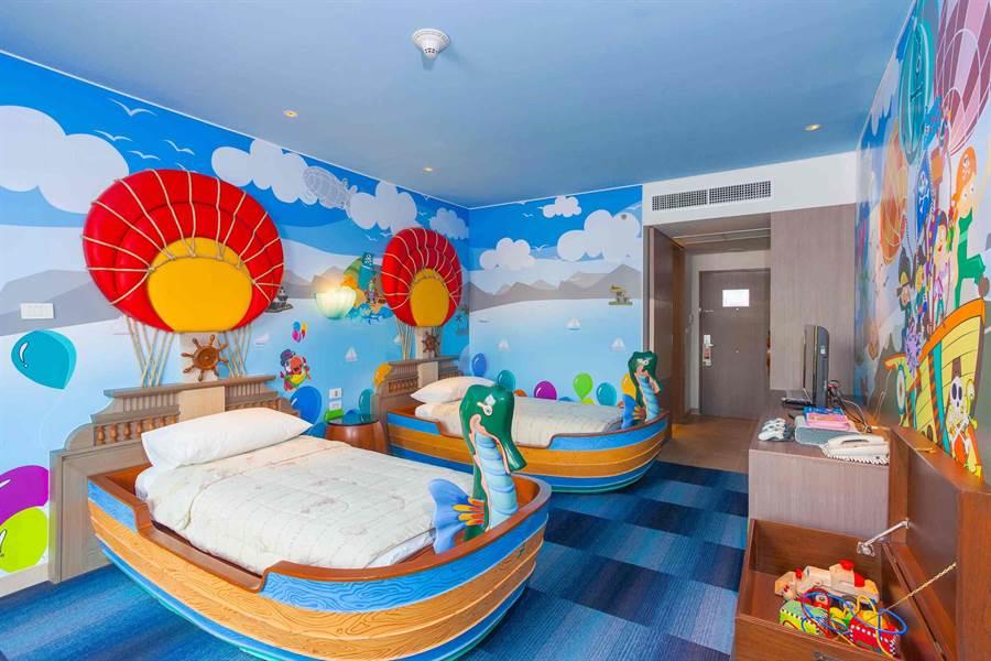 普吉假日飯店的玩具主題房。(Booking.com提供)