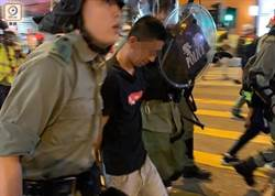 港示威者打游擊多區堵路 警拘16人