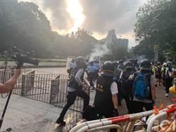 香港警方深水埗警署外放催淚彈 多名示威者被捕