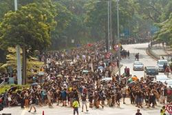 香港大埔遊行 警擲催淚彈清場