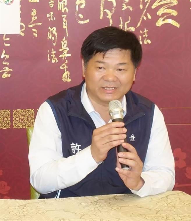 民進黨雲林海線立委參選人許忠富。(許素惠攝)