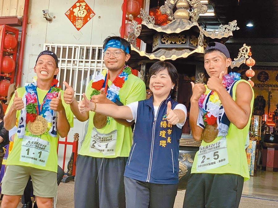 台中市副市長楊瓊瓔勤跑地方行程,她強調「做好分內工作最重要!」(王文吉攝)