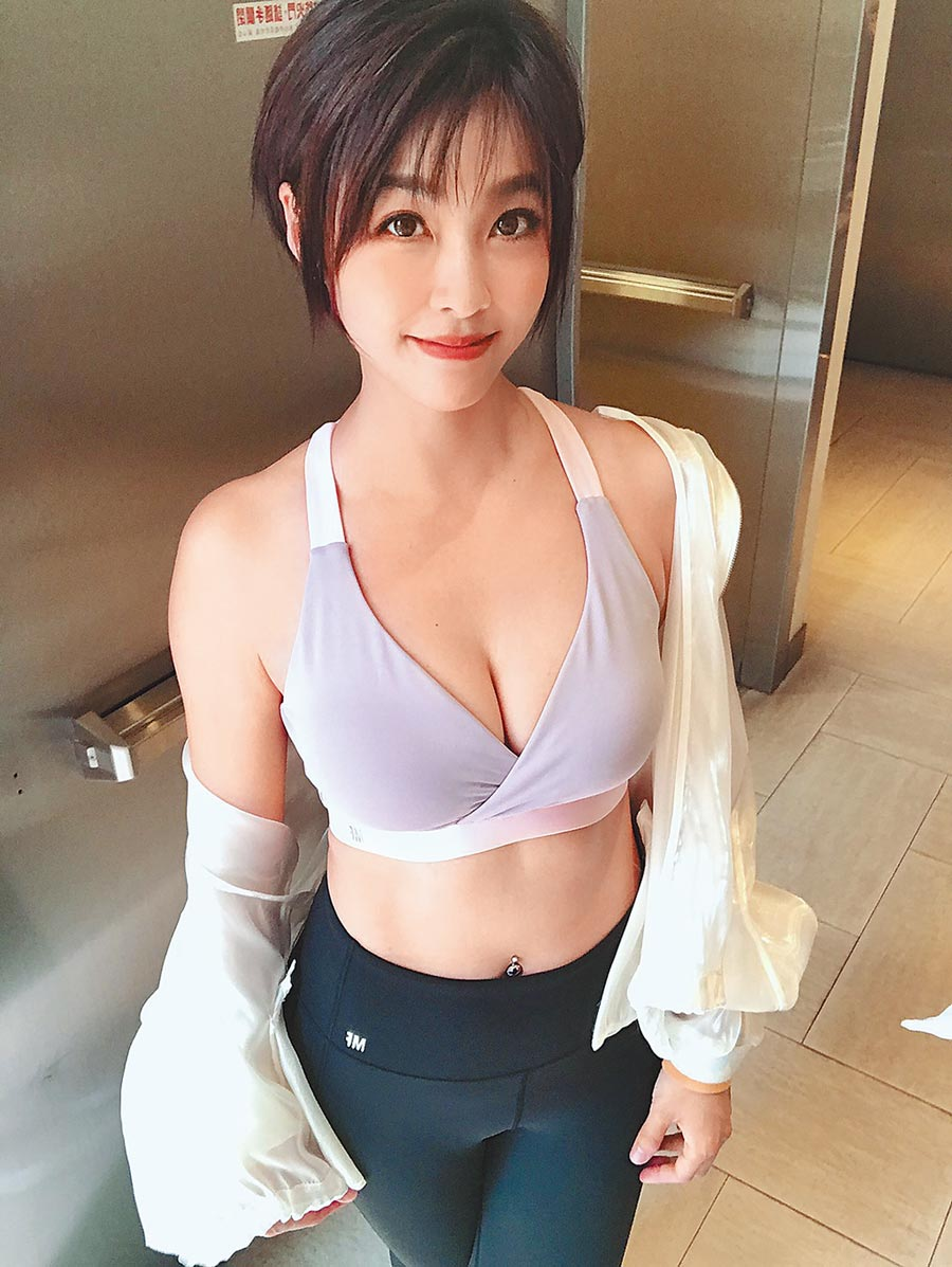 小嫻昨出席運動內衣品牌活動。