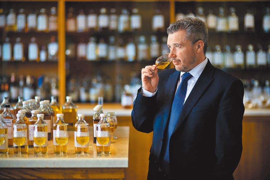 首席調酒師Sandy Hyslop圖片提供台灣保樂力加