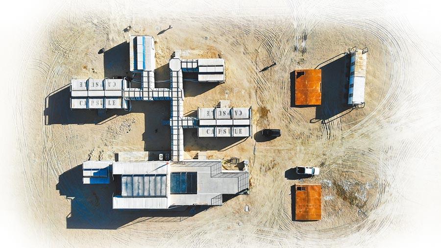 3月1日晚,冷湖「火星營地」開營儀式暨火星營地研學之旅在青海省海西州茫崖市冷湖地區舉行,標誌著中國首個火星模擬基地建成投運。(中新社)