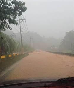 強降雨 埔里鎮大坪頂泥洪橫流