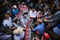 君鴻員工攔路申冤 韓國瑜:市府會請海霸王出來面對