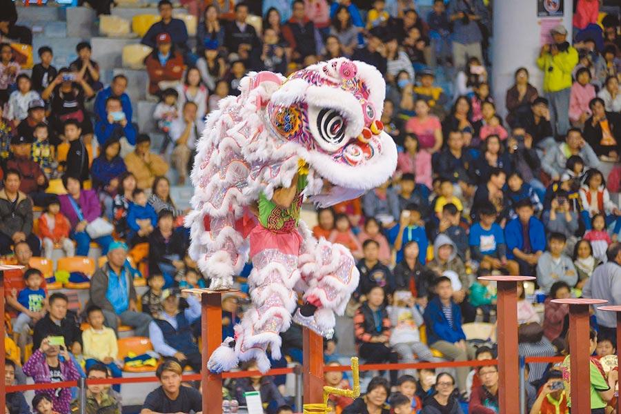 泰山區人文風情薈萃,每年都會舉辦盛大的獅王文化節,吸引各地舞獅隊同台競技。(吳亮賢翻攝)