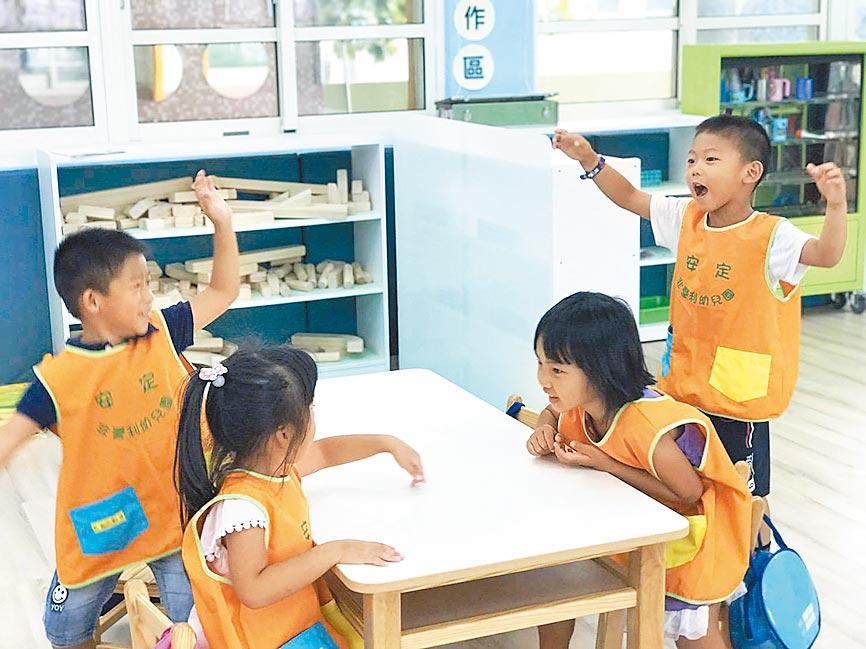 西螺安定國小的非營利幼兒園8月1日招生,國小教室改造的環境相當寬敞舒適。(周麗蘭攝)