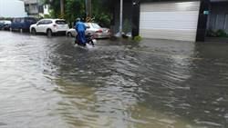 台南整夜豪雨 多處地方大淹水