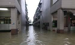 高雄大雷雨多處淹水   7000多住戶停電