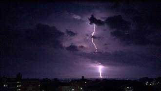 大雷雨改襲中彰雲嘉 彭啟明:劇烈對流胞在門口