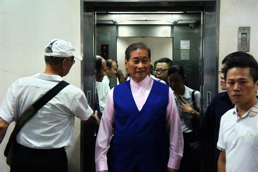 統促黨主席張安樂因違反集遊法到北檢出庭。(張孝義攝)
