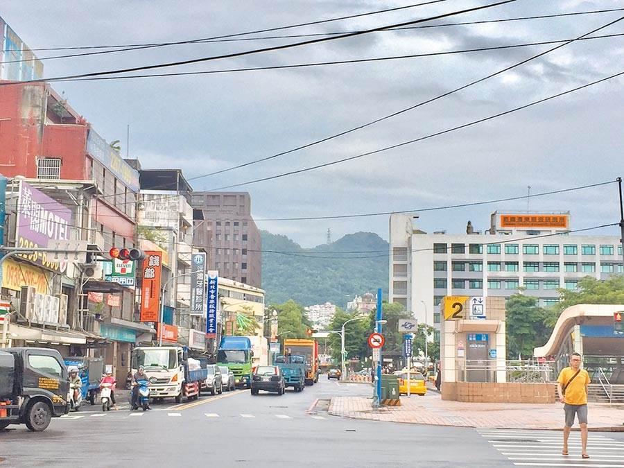 大台北捷運站進出人次成長前十名,其中永寧站房價2字頭最便宜。