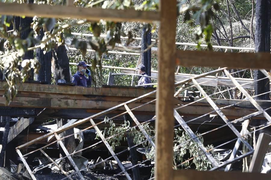 優人神鼓位於木柵老泉山上的排練場,13日上午8點發生火警,主建築全毀。(張鎧乙攝)