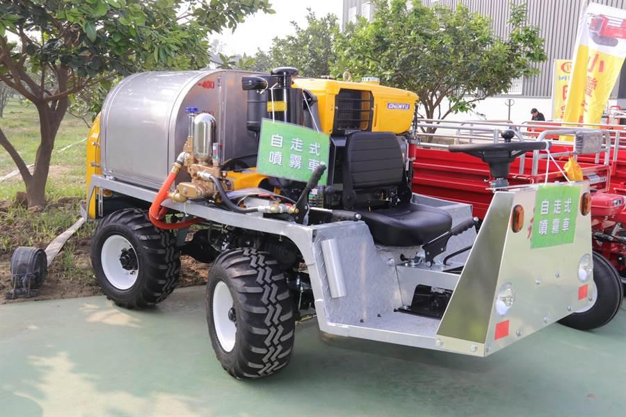 小型農機擴增補助35種機種,圖為自走式噴霧車。(巫靜婷翻攝)