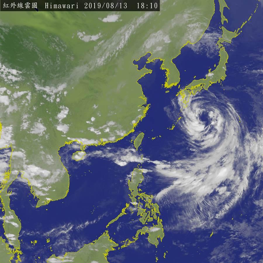 氣象局提醒,周日之前中南部地區都可能再下短時強降雨。(衛星雲圖/氣象局)