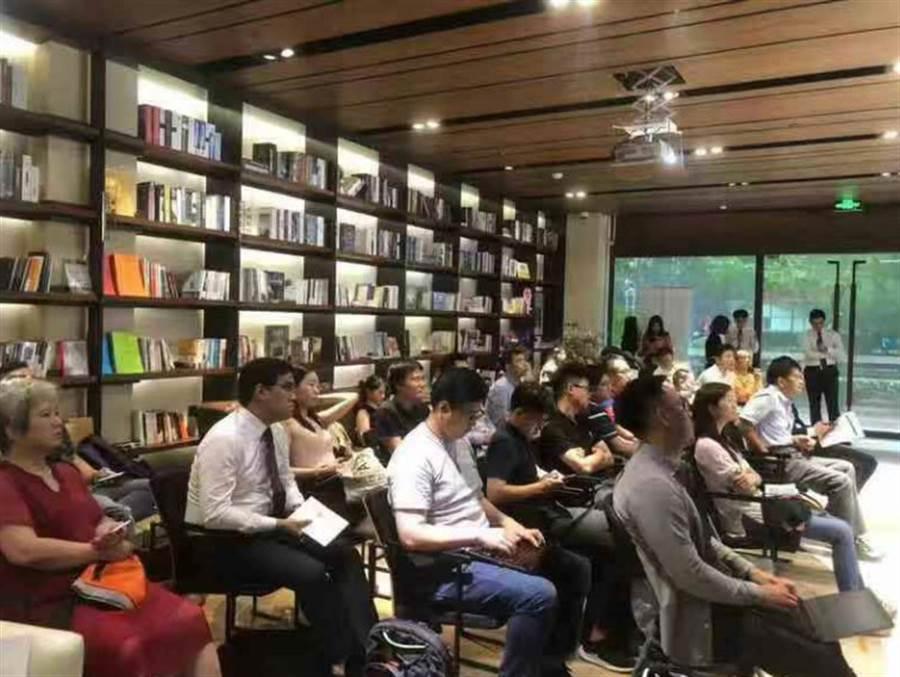 香港北威集團近日在上海舉辦「科創板開板的意義 ─ 從貿易戰到科技戰」論壇,邀請多位專家學者與談。(北威集團提供)
