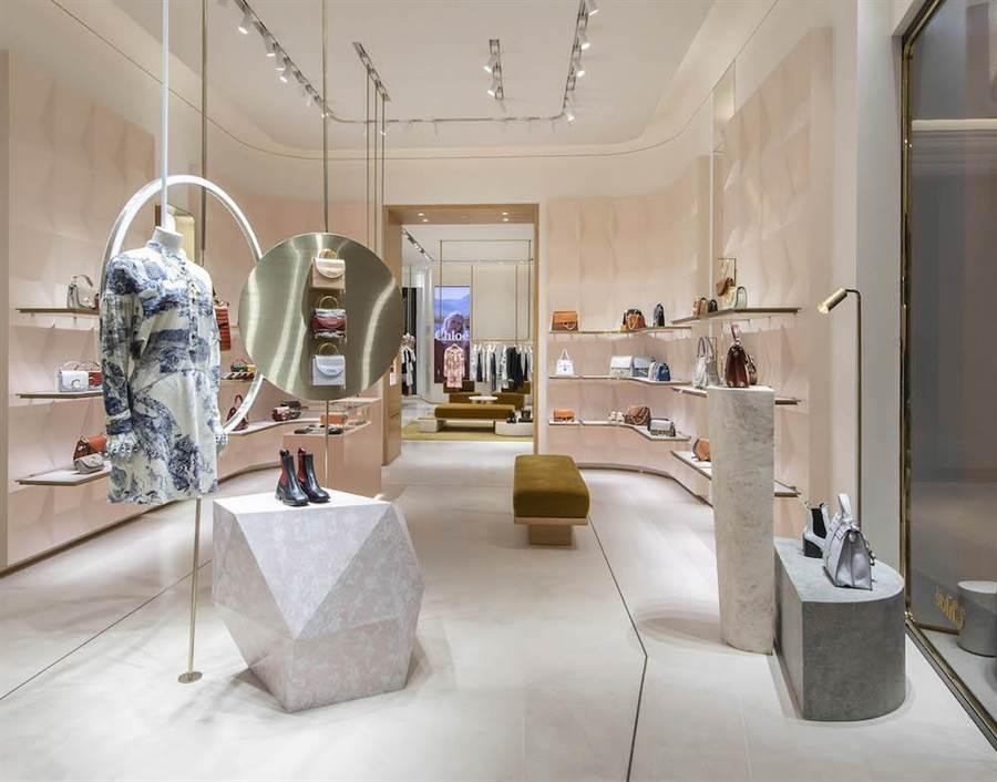 Chloe微風南山概念旗艦店,以玫粉、米色與白色交織奢華氛圍。(Chloe提供)