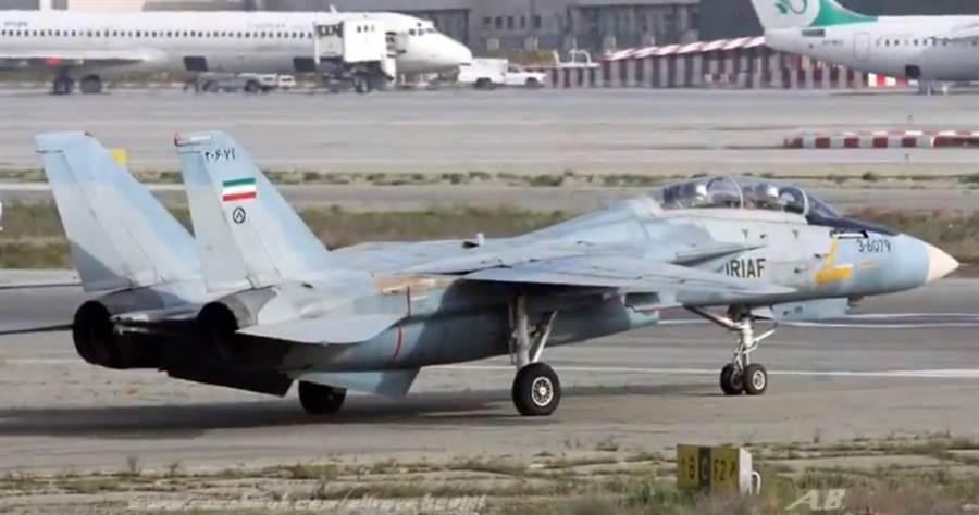 伊朗F-14戰機的數量,可能只剩12~14架。(圖/youtube)