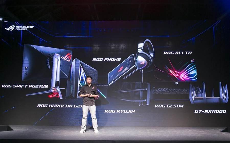 華碩新一代電競手機ROG PhoneⅡ引爆線上預約搶購量衝破250萬支熱潮。(圖/翁毓嵐)