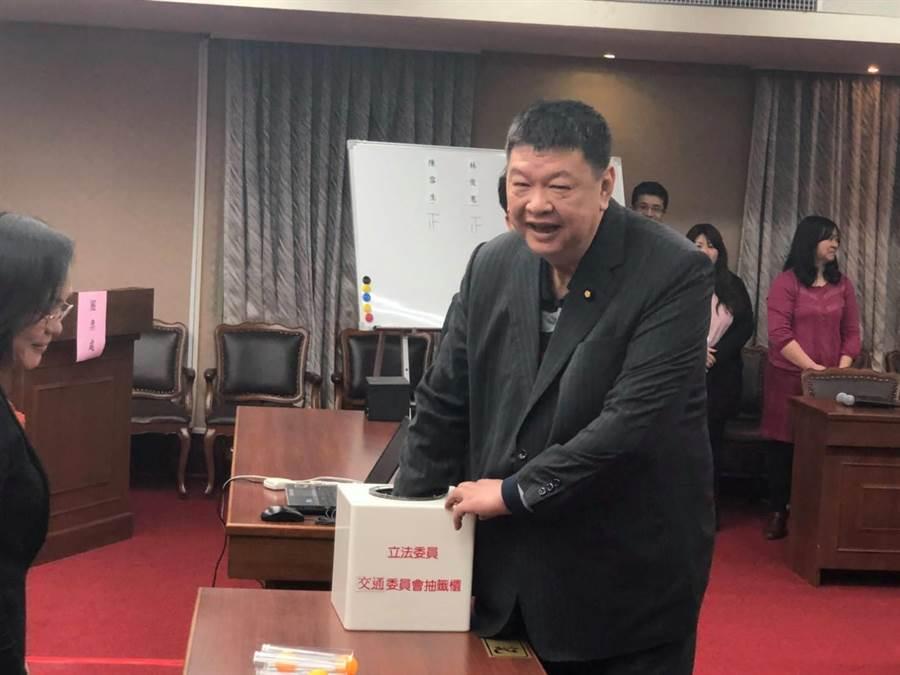 連江縣選區國民黨現任立委陳雪生已獲黨提名拚連任。(翻攝陳雪生臉書)