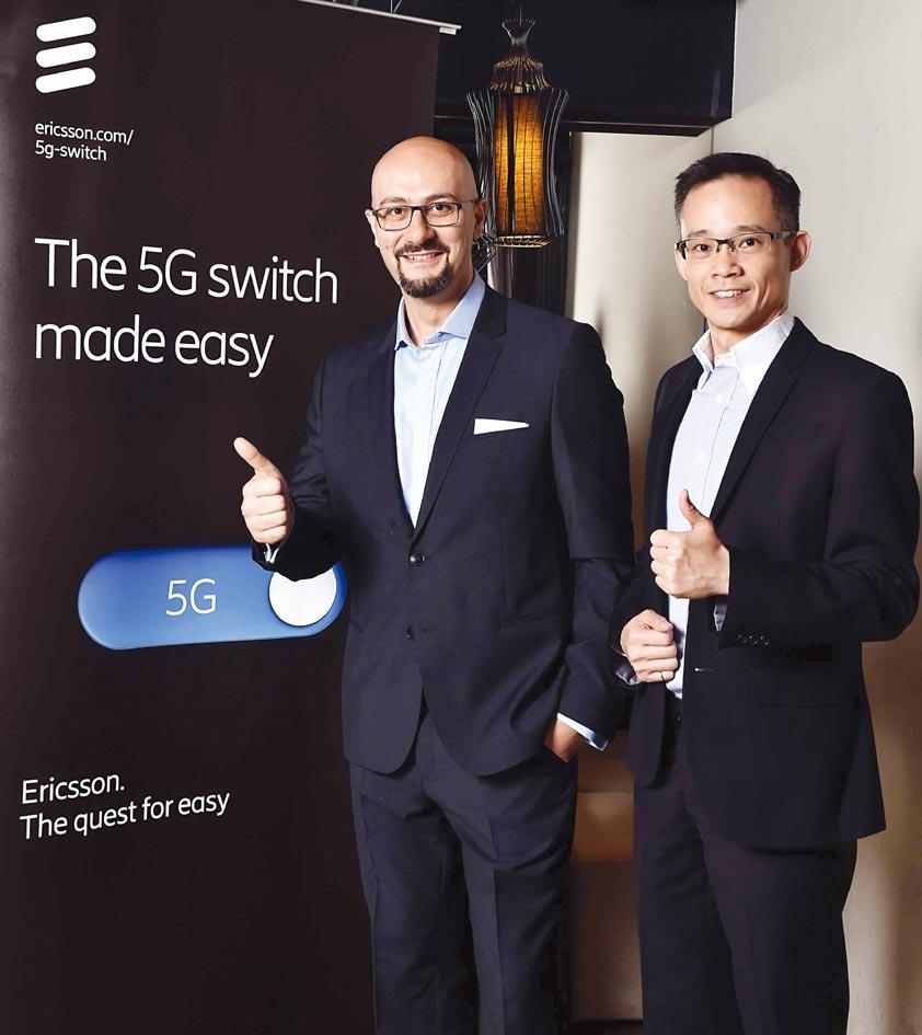 台灣愛立信總經理藍尚立與愛立信東北亞區台灣香港及澳門網路部主管馮家輝(右)分享5G全球發展趨勢。圖/台灣愛立信提供