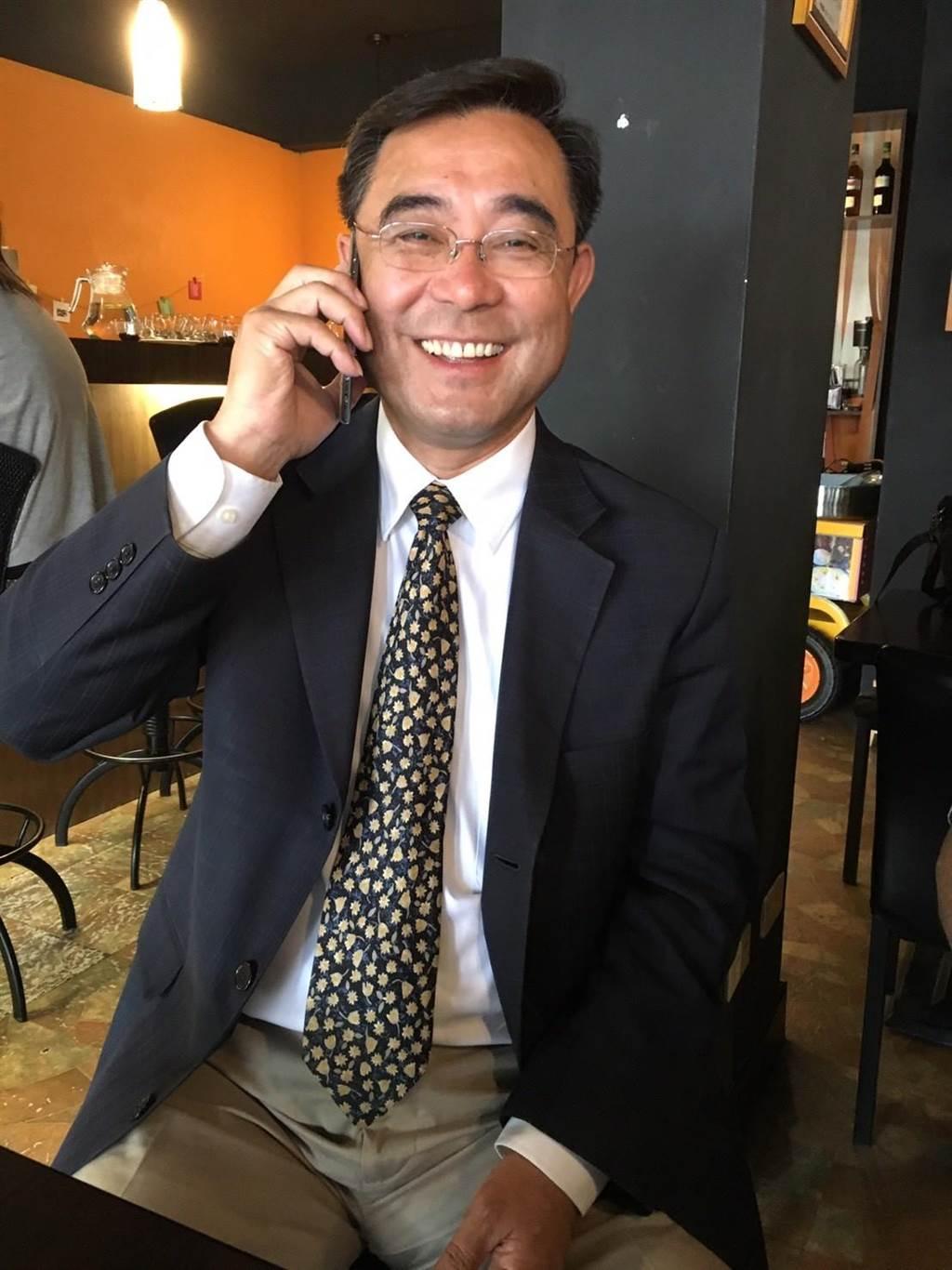 曾3任立委、2任副縣長的新黨吳成典,也在評估加入戰局的可能性。(李金生攝)
