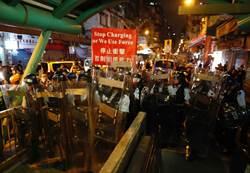 反送中抗爭擴大 香港旅客跌33%飯店跌50%
