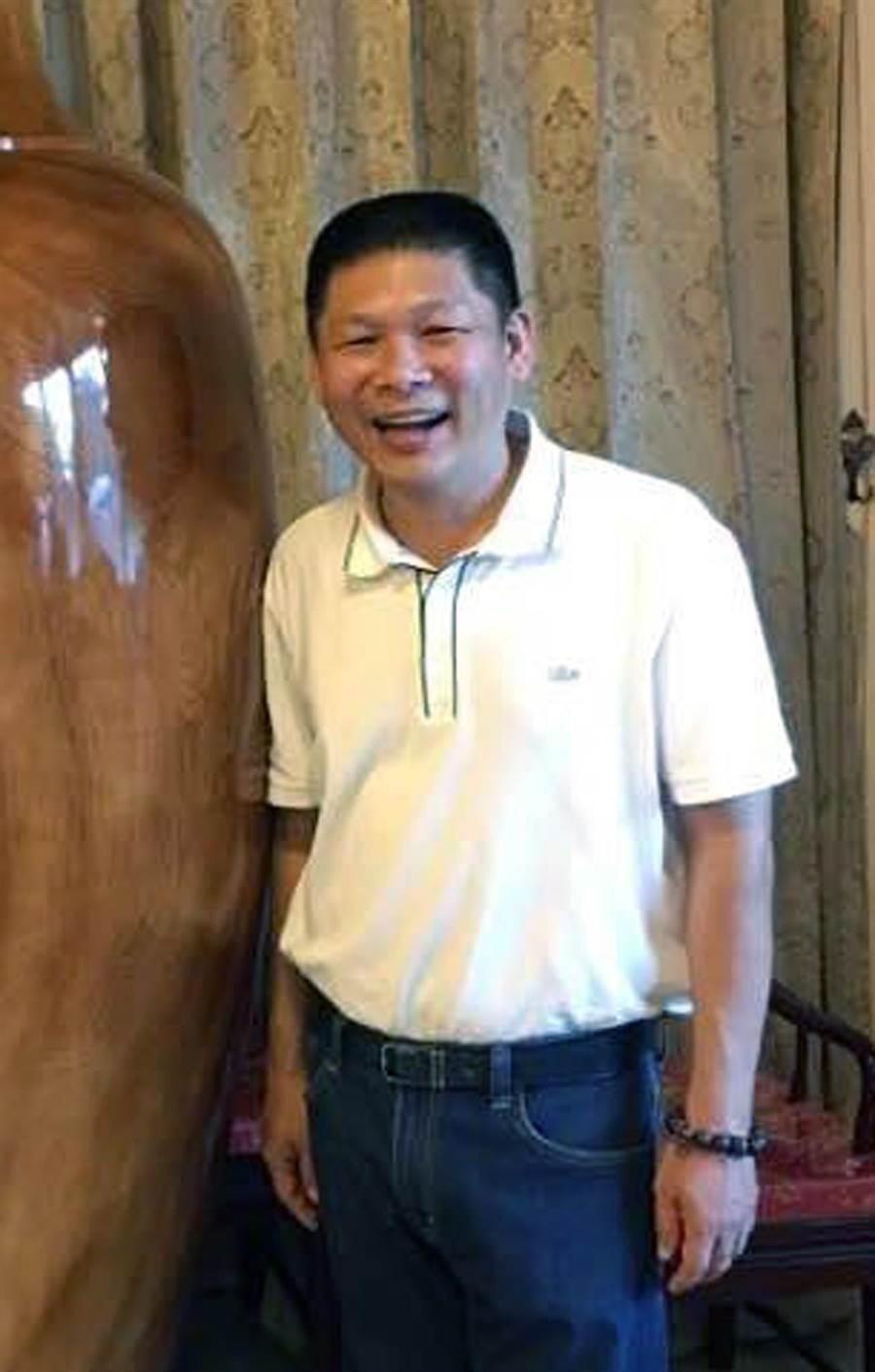 台南市安平區里長聯誼會長黃俊策涉嫌走私、偷渡案被羈押。(翻攝畫面)