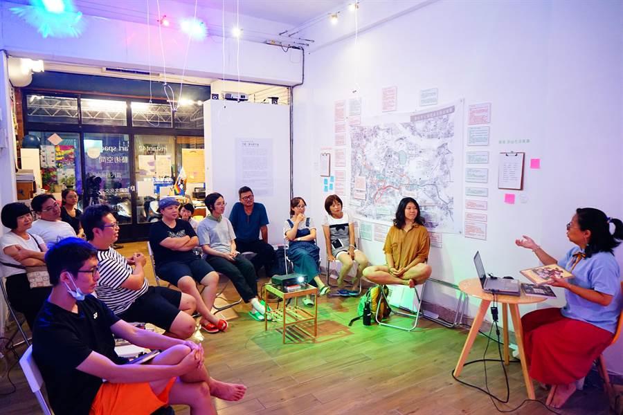 「卦山力行動」團隊舉辦職人工作坊,邀請居民討論技藝傳承與生存的課題。(教育部提供)
