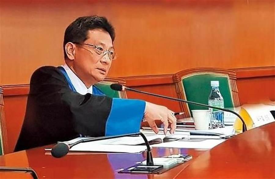 新竹方法院民事執行處庭長吳振富。 (翻攝網路)