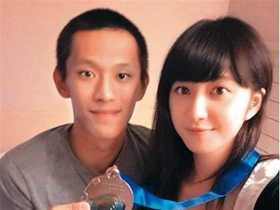 女星謝翔雅(右)與球星蕭順議(左)從學生時期交往到出社會,兩人曾在公開場合大曬恩愛開黃腔被熱議。(圖/翻攝自謝翔雅IG)