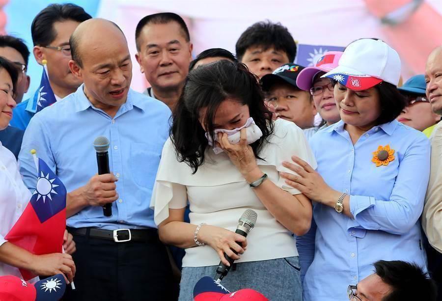 高雄市長韓國瑜和市長夫人李佳芬(中)。(圖/本報資料照,黃國峰攝)