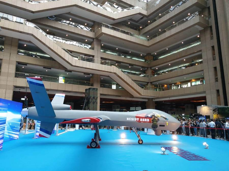 新版大型無人機「騰雲號」今在國防工業展亮相。