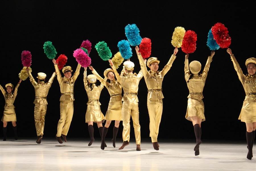 南韓編舞家安銀美編創《南韓跳,北韓舞》,發揮對北韓文化的想像力,同時也從北韓舞蹈的內涵,理解當地的風俗民情。(台北藝術節提供)