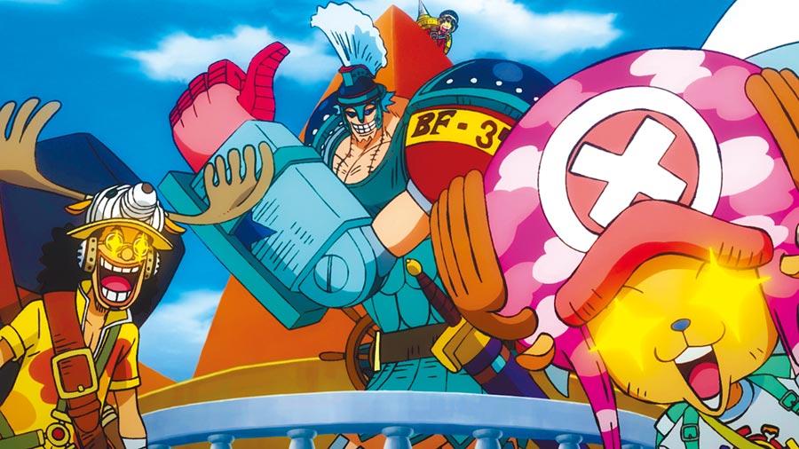 劇場版中草帽海賊團成員騙人布(左起)、佛朗基、魯夫、喬巴等人都換上新造型。