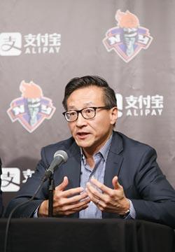 NBA》籃網總裁蔡崇信認為莫瑞踩到紅線