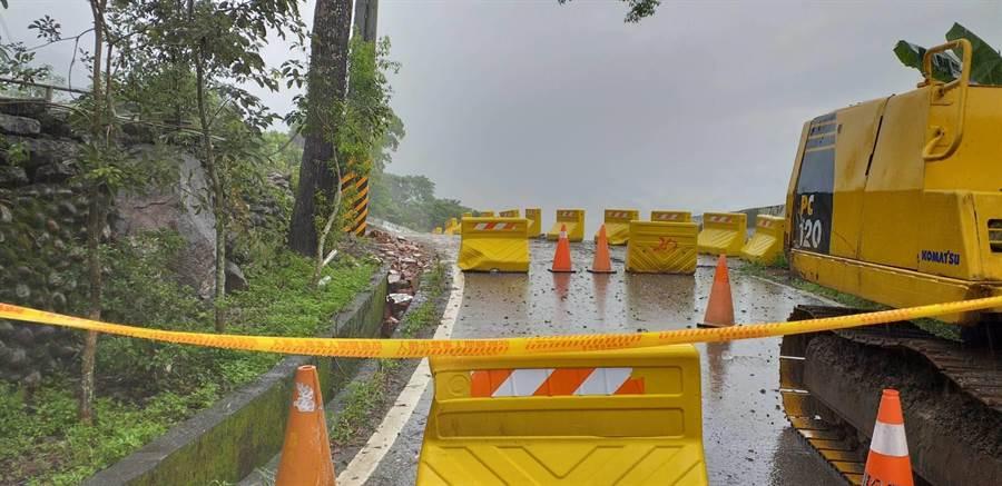桃源區四社部落開通的聯外道路,已於昨晚預警性封閉無法通行。(林雅惠攝)