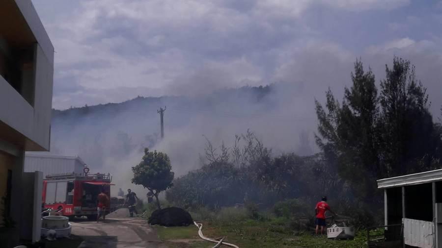 綠島發生森林火警。(楊漢聲翻攝)